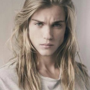 2-long-blonde-hair-men