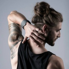 blonde-man-bun