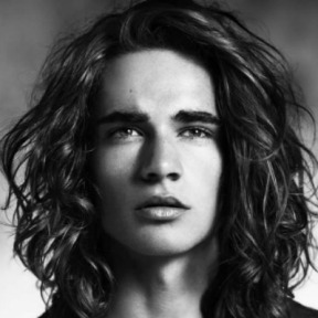 curly-hairstyles-for-men-long-hair