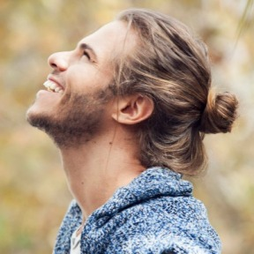 man-bun-look-blonde-hair