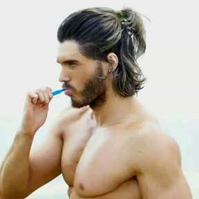 mens-ponytail-hairstyle